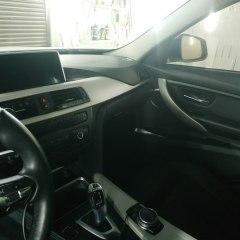 Покрытие элементов салона BMW F10 в черный глянец