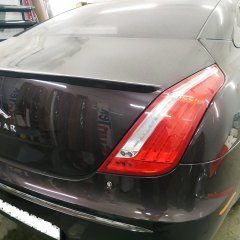 Тонировка задней оптики Jaguar XJ L