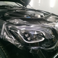 Защита оптики авто Mercedes-Benz 222 пленкой.