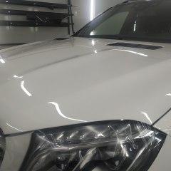 Покрытие капота Mercedes-Benz GLK защитной пленкой