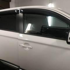 Тонирование стекол Mitsubishi Outlander