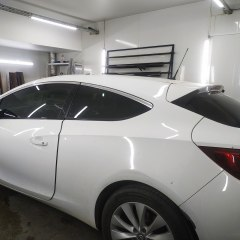Тонировка Opel Astra GTC плёнкой NDFOS 20%