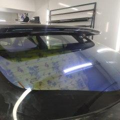 Оклейка заднего стекла Toyota С-HR пленкой хамелеон