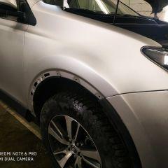 Покрытие крыла и бампера Toyota RAV4 пленкой