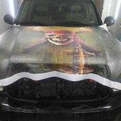 Оклейка капота Toyota Sequoia пленкой с рисунком